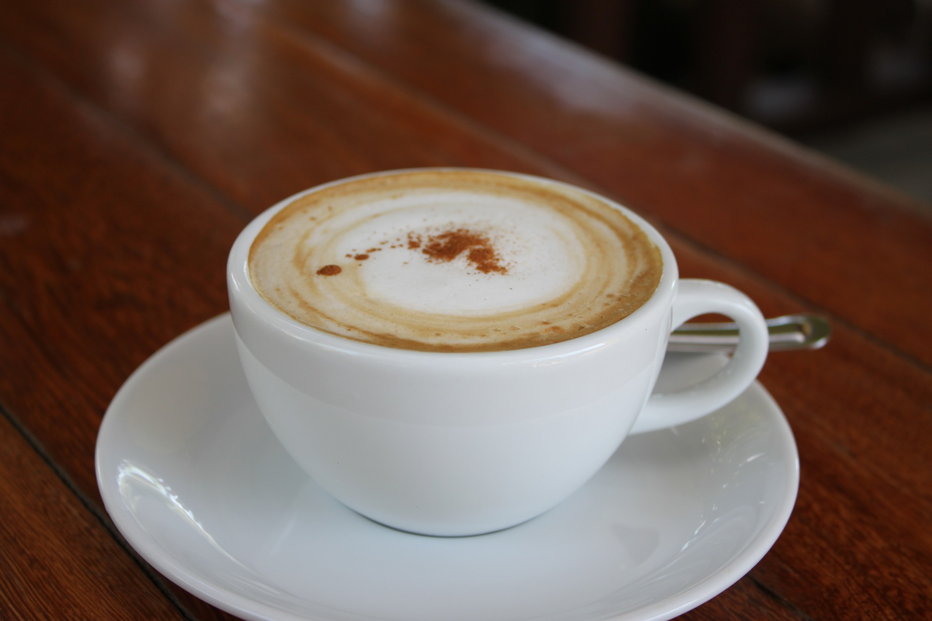 Какво е Flat White и по Какво се Различава от Latte?